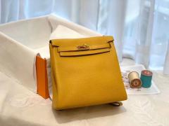 HERMES 进口 tc皮 9D琥珀黄金扣 蜡线手缝 20Kelly Ado是Kelly系列延伸设计的小书包 男女通用款