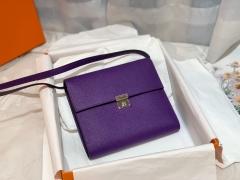 Clic 16 性价比和实用性极高 钱包款 内里还设有卡位 钱袋子 简单又轻便 epsom 皮 9W 梦幻紫